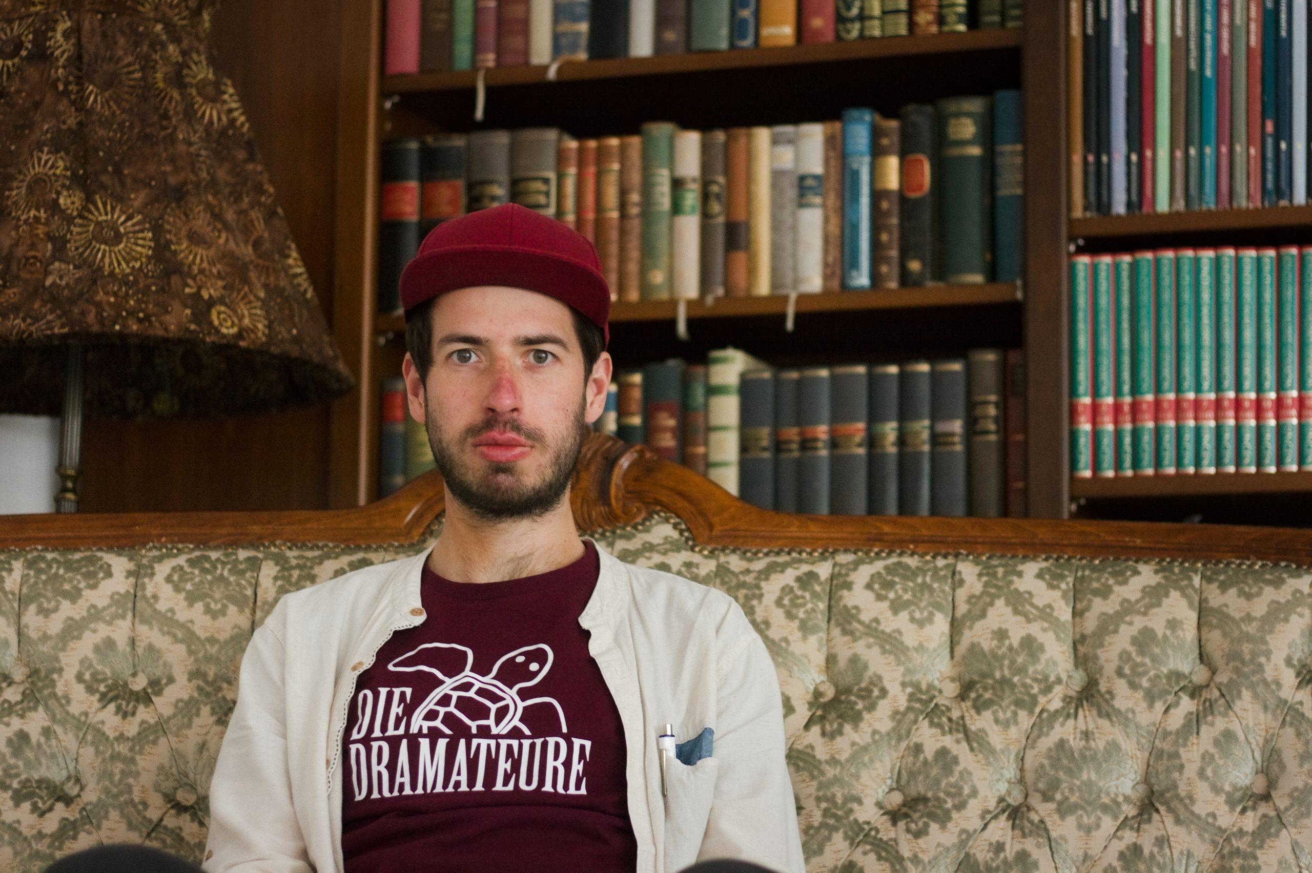 Marcel auf dem Sofa